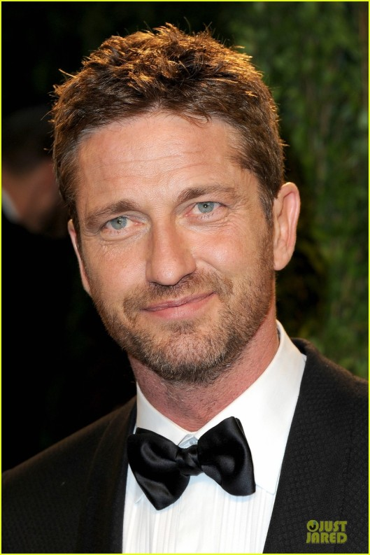 gerard-butler-madalina-ghenea-vanity-fair-oscars-party-2013-04