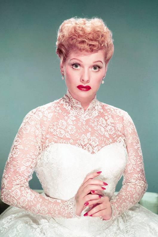 elle-film-red-nails-lucille-ball-xln